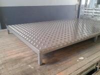 Projetos Especiais - Estrado para galões de água (2)